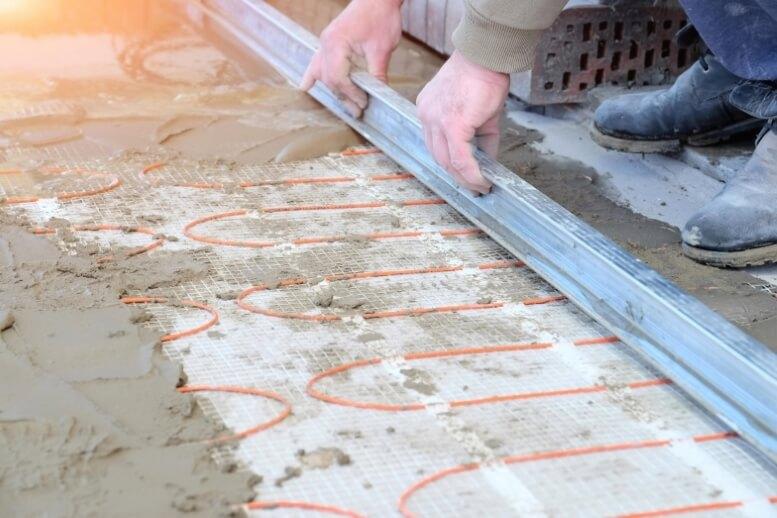Vloerverwarming in vloer geplaatst